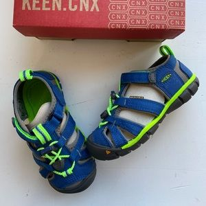 Keen toddler boys blue water shoes sandals 8 new